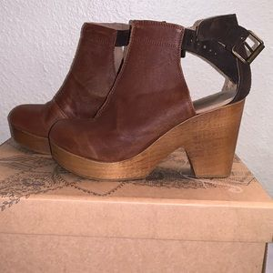 Free People Clog Amber orchard
